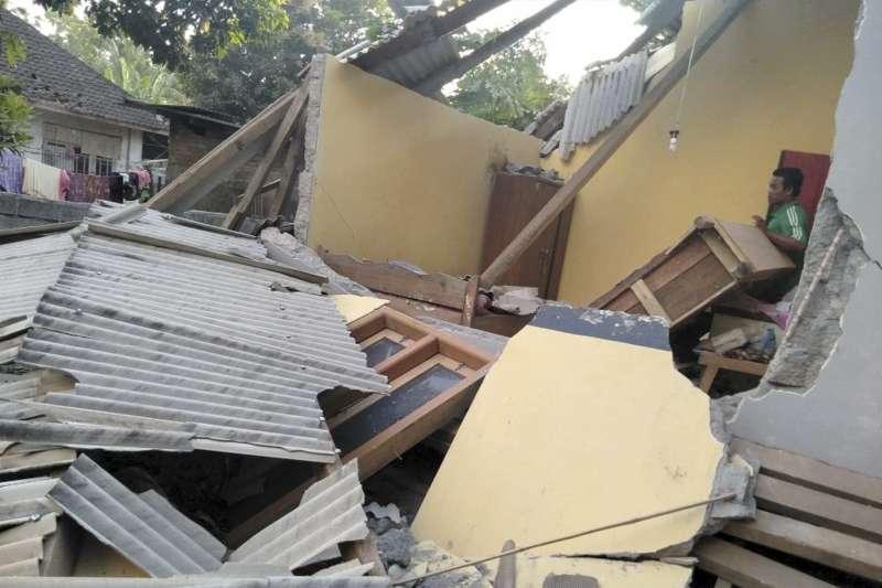 2018年7月29日,印尼龍目島發生大地震,造成多人死傷(AP)