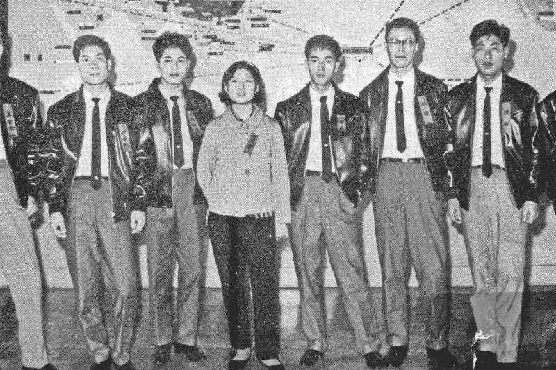 《寶島夜船》訴說著一段義士成為政治犯的故事,主角陳松與結拜兄弟妹原先帶著期待投奔台灣,沒想到等待他們的是一場政治風暴。圖為陳松一行人。(青年日報社提供)