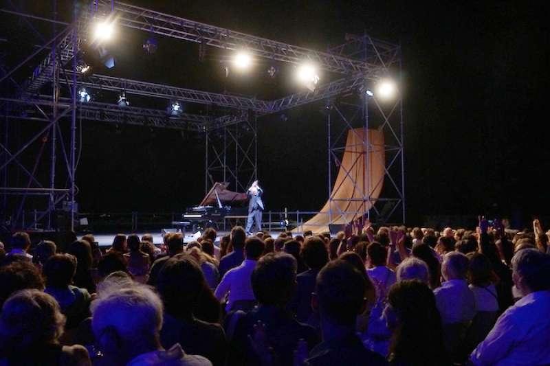 英國現代鋼琴作曲家邁克·尼曼(Michael Nyman)的音樂會。(曾廣儀攝)