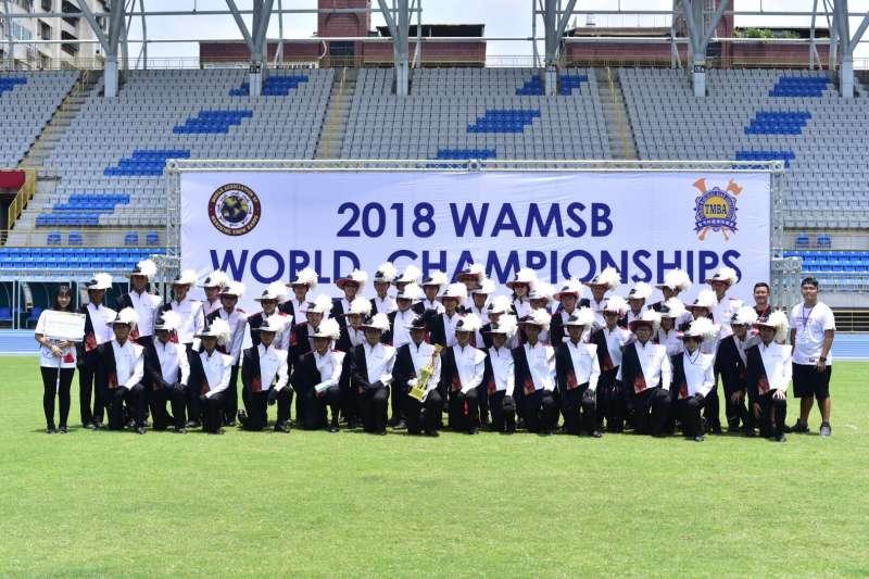 2018年7月29日,台北市建國中學樂旗聯隊在世界盃行進樂隊大賽勇奪冠軍(建中樂旗隊家長後援會)