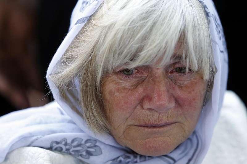 雪布尼查的母親,雪布尼查大屠殺(美聯社)