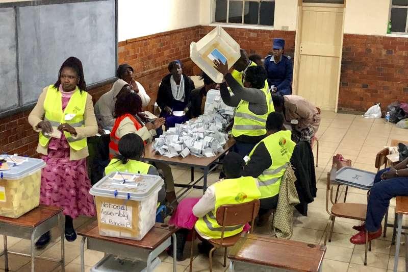 辛巴威大選:官方開票結果將於8月4日公布(AP)