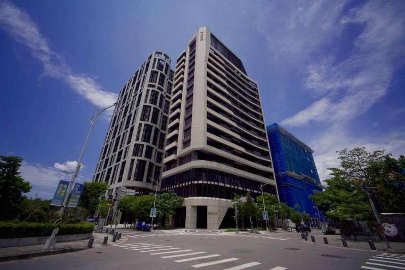 位於新莊副都心的全新商用大樓「宏泰高境」。(高力國際提供)
