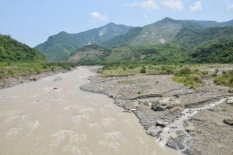 八八風災後,靜靜沈睡在獻肚山下的小林村現址。(bellenion ∕維基百科)