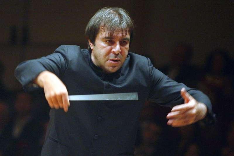 義大利著名指揮大師加蒂(Daniele Gatti)被2名女音樂家指控性騷擾。 (AP)