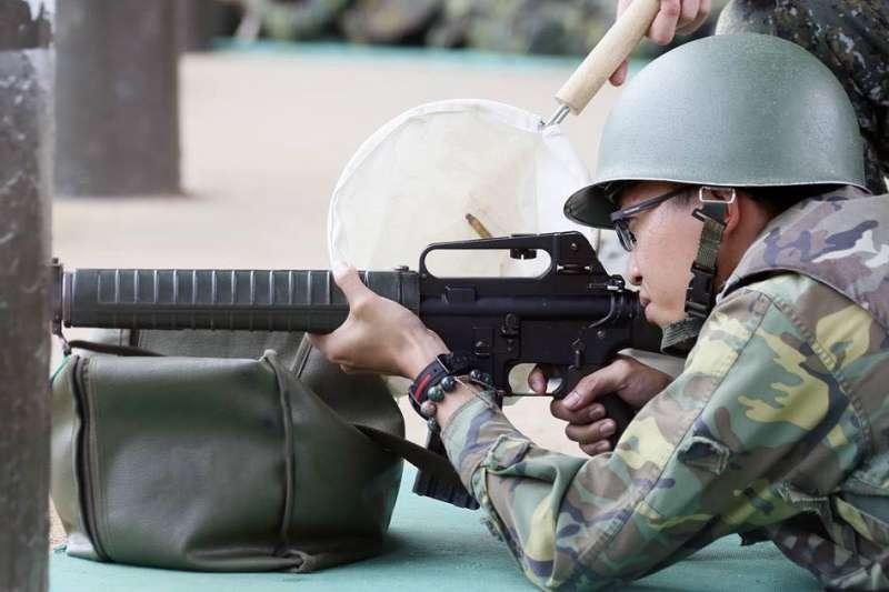 過去幾週,台灣的國防改革挑戰逐漸浮上檯面。其中,是否恢復徵兵制與國軍後備部隊的戰力更成為關注焦點。(取自國防部後備指揮部臉書)