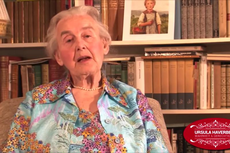 德國89歲「納粹嬤」海佛貝克(Ursula Haverbeck)堅稱,指控德國納粹大規模屠殺數以百萬人種,「只是一種看法」,德國憲法法院重申,這不在憲法言論自由保護的範疇。(取自KZ Kladderadatsch@Youtube)
