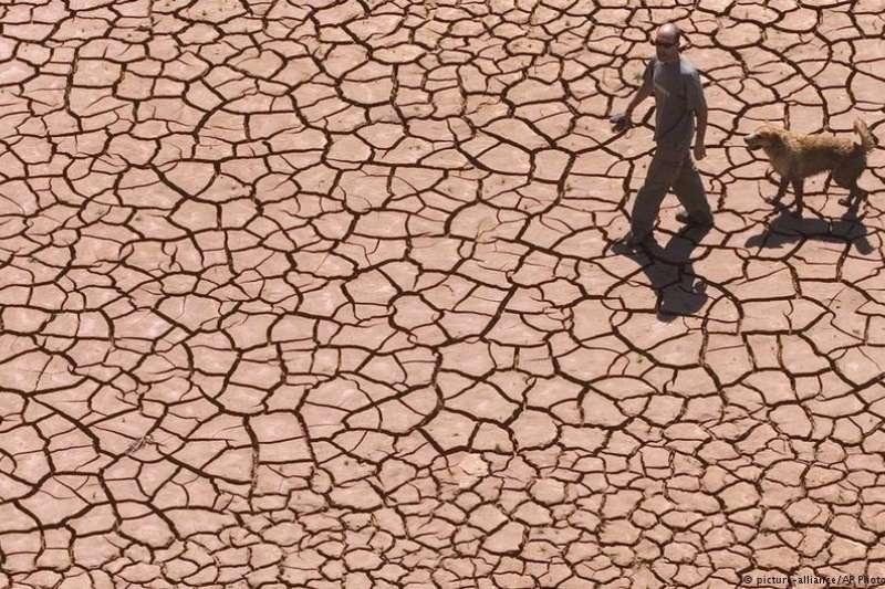 許多專家指出,如果不遏止全球暖化,極端氣候將成夏季常態。(德國之聲)