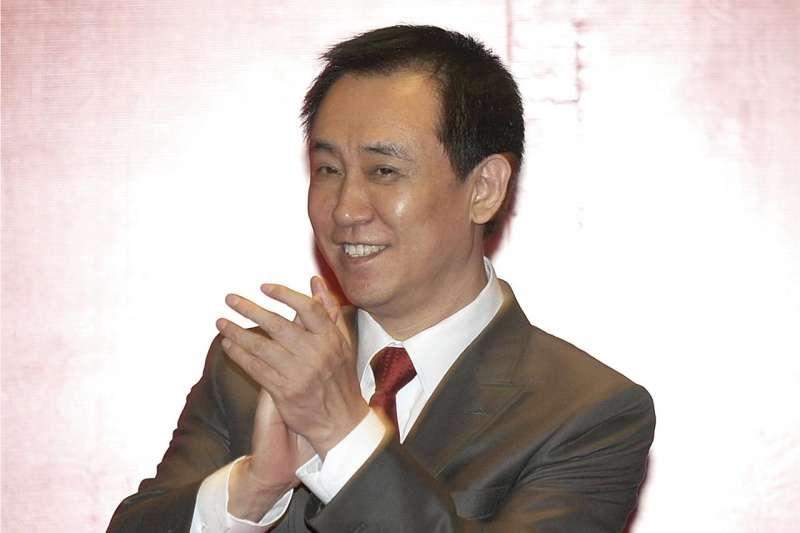 許家印在香港掛牌的恒大集團股價去年爆漲,讓他於2017年底登上中國胡潤百富榜首富。(AP,資料照)