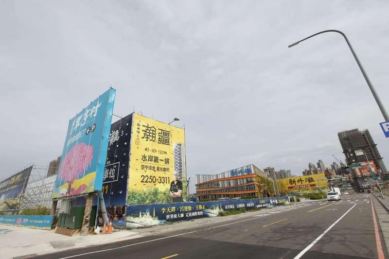 江翠北側重畫區隨著一線品牌建商進場,也揮別讓利價,紛紛開出五字頭房價,不過能否將房價推回五字頭,專家皆認為沒那麼容易。(新新聞提供)
