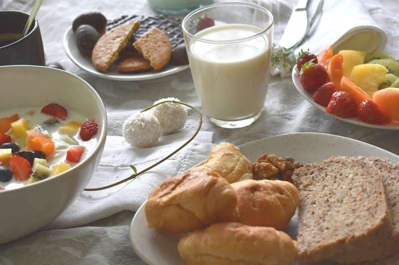 父母怎麼看待早餐,孩子就怎麼對待早餐。(示意圖/marijana1@pixabay)