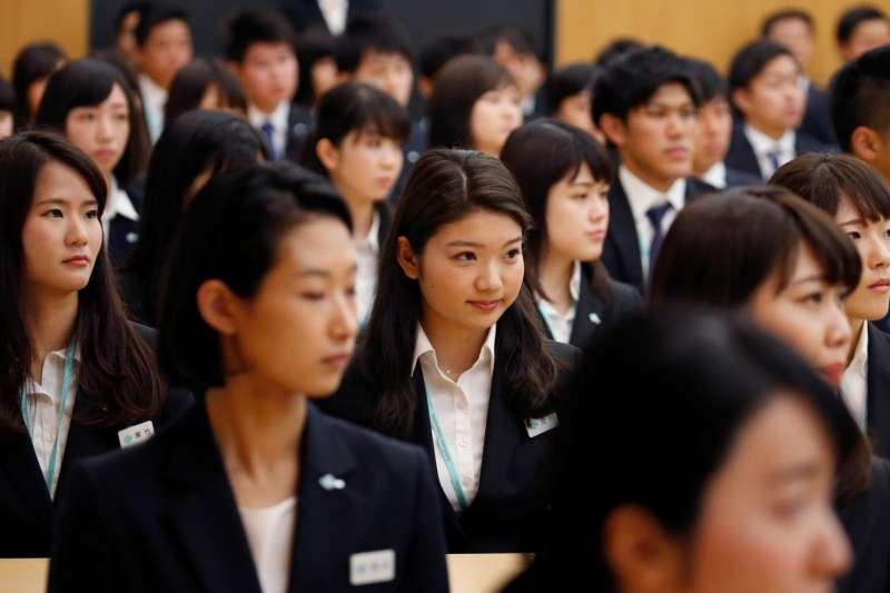 日本女性被要求去生孩子。假如她們不生,就被譏諷為『無生產力』。但反過來,她們又因可能懷孕生子,被扣減考試分數、遭企業惡劣對待。(圖/*CUP提供)