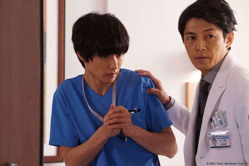 2018年強檔日劇《善良醫生》集結了知名演員上野樹里、藤木直人與山崎賢人。再加上在韓國大受歡迎、被美劇怪醫豪斯製作人相中並且拍攝成電視劇的劇本,讓人充滿期待。(圖/KKTV提供)