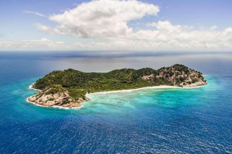 東非塞舌爾的一個小島上,以觀光酒店的收益來保護原生物種動物。(圖/BBC中文網)