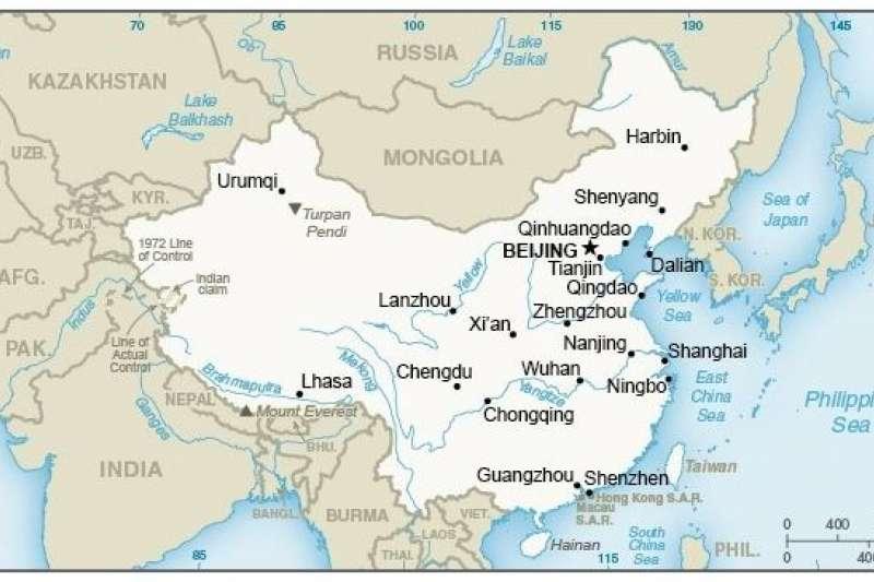 美國國務院官網在中國簡介頁面的地圖上,以相同顏色標記中國與台灣,外交部已向美方表達嚴正關切,美方則重申對台立場不變。(取自美國國務院網站)