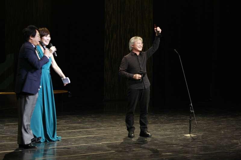 第29屆傳藝金曲獎於11日晚間登場,最佳創作獎作詞類由作家賴美貞、路寒袖以《李天祿的四個女人》第二幕獲得。(國立傳統藝術中心提供)