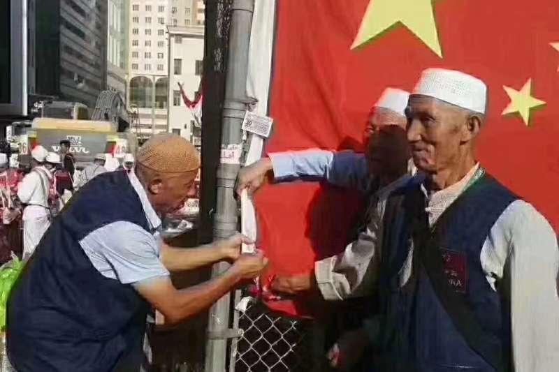 中國西部的寧夏回族自治區同心縣,數百名穆斯林與當地政府對峙,以保護當地的寧夏韋州清真大寺不被拆除(資料照,微博)