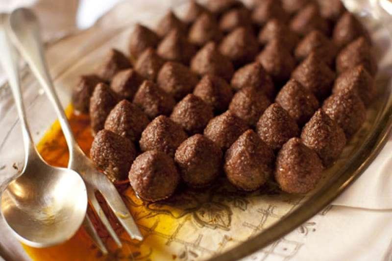 傳統的黎巴嫩肉丸(Kibbeh)。(翻攝網路)