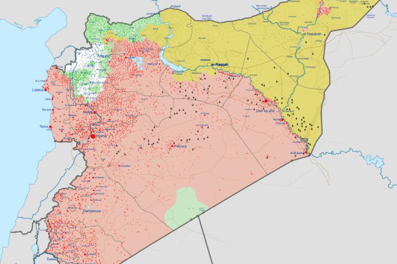 2018年8月敘利亞內戰局勢:紅底為政府軍佔領,綠色部分為反抗軍勢力範圍,黃底領土則由庫德族政權佔領。(Ermanarich@Wikipedia/CC BY-SA 4.0)