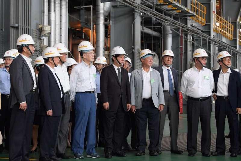 行政院邀請工商協進會進入林口電廠視察。(取自賴清德臉書)