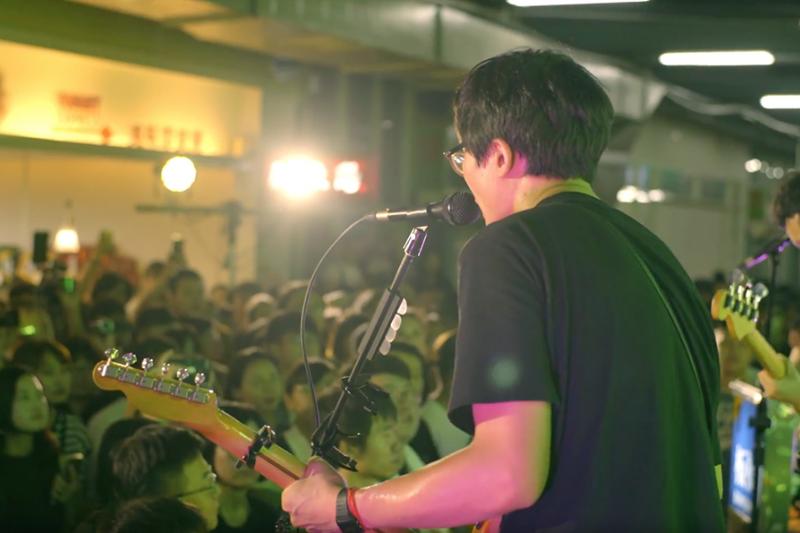 TOYOTA和楊力州導演合作的紀錄片,以台灣獨立樂團「拍謝少年」為主角,鼓勵年輕人勇敢追夢(圖/TOYOTA提供)