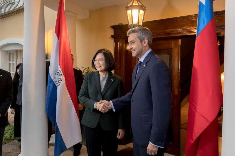 總統蔡英文正進行「同慶之旅」,並於當地時間14日傍晚前往巴拉圭總統當選人阿布鐸(Mario Abdo Benítez)宅邸進行雙邊會談。(取自flicker@總統府)