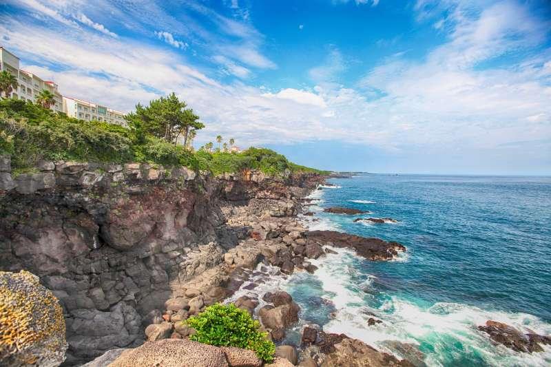 想要脫離大都市喧囂吵雜的環境,到海邊玩水、看海,享受大自然嗎?如果只知道峇里島你就落伍囉!(圖/songsy@pixabay)