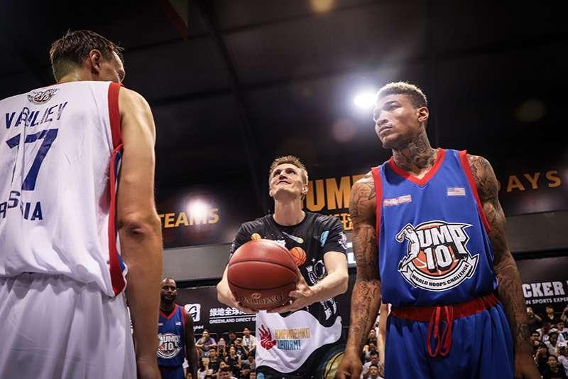 基里連科也擔任這次大賽的開球嘉賓,雖然現在因為身體傷勢狀況不能再從事高強度的競賽,不過依然熱愛籃球,在世界各地推廣。(圖/記者余柏翰攝)