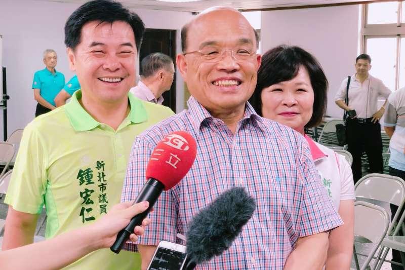 民進黨新北市長參選人蘇貞昌上午拜會泰山、五股、林口區等農會,會後接受媒體訪問。(蘇貞昌辦公室提供)