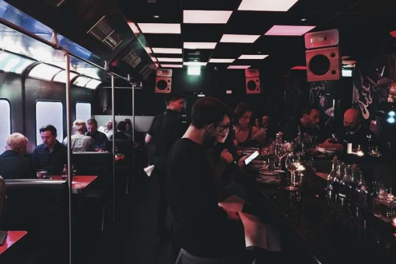 Hang Dai是一間中餐館,但是卻是相當有態度的一間,放著電子樂,吃著燒鴨,這樣的衝突絕對銷魂!(圖/KKday提供)