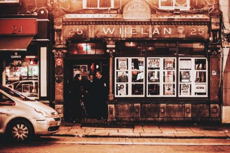 Whelans因為電影《P.S.我愛你》而聲名大噪,但它同時也是許多知名音樂人的發跡之地。(圖/KKday提供)