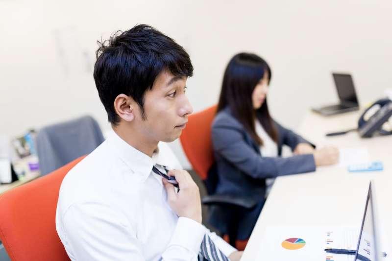 「學生實習該不該給薪?」吵了好幾年的老問題,來聽聽不一樣的看法!(圖/すしぱく@pakutaso)