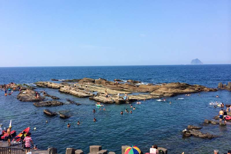 熱死人的夏天就是要玩水啊!除了人擠人的海水浴場,台灣還有哪些戲水好去處呢?(圖/TripNotice.com@flickr)