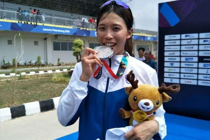 划船女子單人雙槳選手黃義婷以8分16秒14摘亞運銀牌。(圖中華奧會提供)