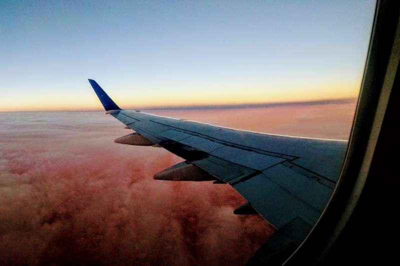每天數以萬架的飛機在天上飛行,航空業怎麼維持秩序、保護旅客安全,其實充滿了行內小訣竅,以下盤點10個你可能不知道的飛航冷知識。(圖/Jenna Hamra@goodfreephotos)