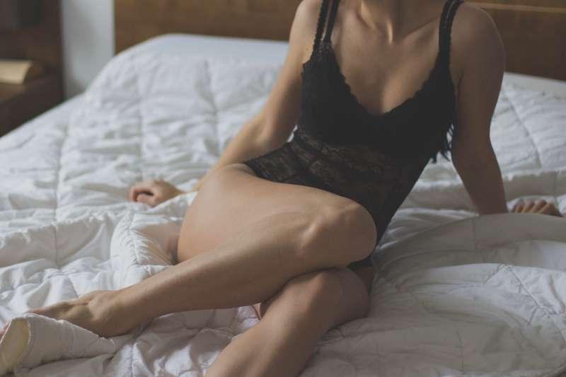 快槍俠因為早洩,沒有自信交女友,只能一次又一次地「叫小姐」洩慾。(示意圖非本人/pixabay)