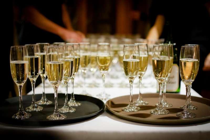英國權威醫學雜誌《刺胳針》最新研究指出,無論多寡,只要喝酒就有害健康(取自Pixabay)