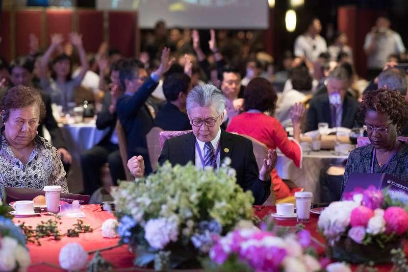 2018年8月25日,總統蔡英文出席第十八屆國家祈禱早餐會,牧師寇紹恩(見圖)大談婚姻議題。(總統府提供)
