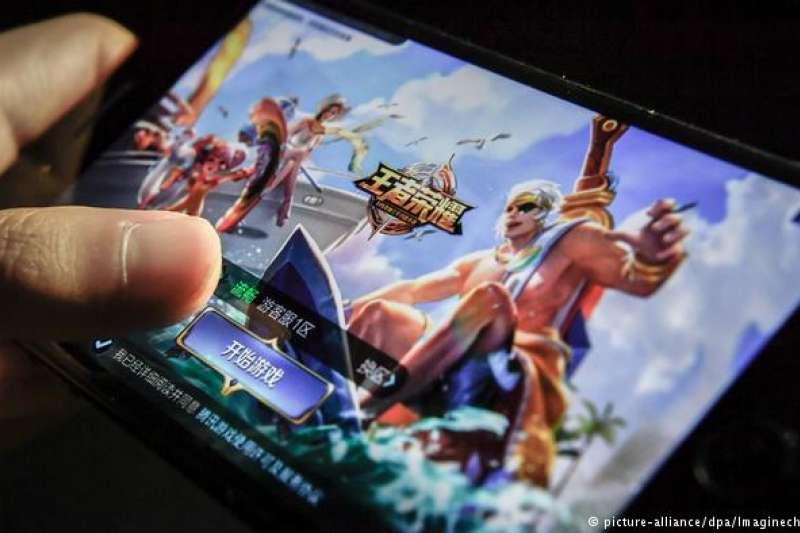 凍結版號審批、停止發放新版號 中國遊戲產業面臨嚴冬(德國之聲)