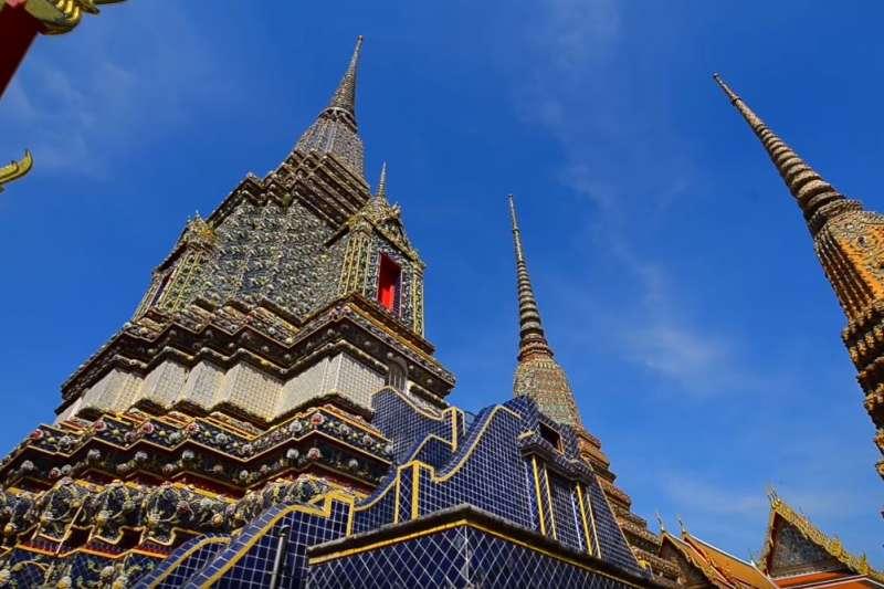 泰國駐台辦事處今(29)日臨時公告,申辦觀光簽證辦理程序不變,民眾仍可自行前往辦事處辦觀光簽,名額不限,費用維持1200元。圖為泰國傳統建築。(資料照,取自Amazing Thailand YouTube影片)