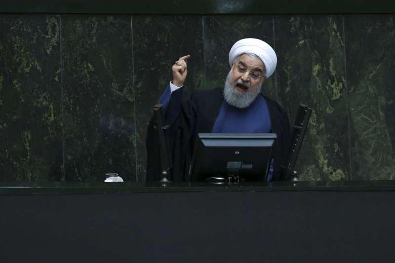2018年8月28日,伊朗總統魯哈尼發表演說,說伊朗在核子協議問題上仍有「第3條路」可走。(美聯社)