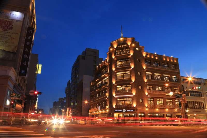 林百貨2014年重新開幕後,成為臺南新地標。(圖/維基百科)