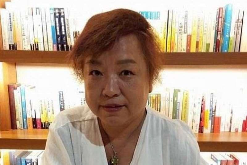 文化部29日公布第42屆金鼎獎得獎名單,今年特別貢獻獎得主是九歌出版社總編輯陳素芳,耕耘出版界36年,她在臉書發文感謝好友的支持和提攜。(陳素芳提供)