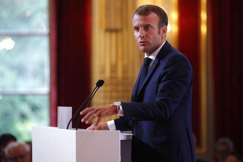 2018年8月27日,法國總統馬克宏在年度大使會議演說,力陳法國外交走向。(美聯社)