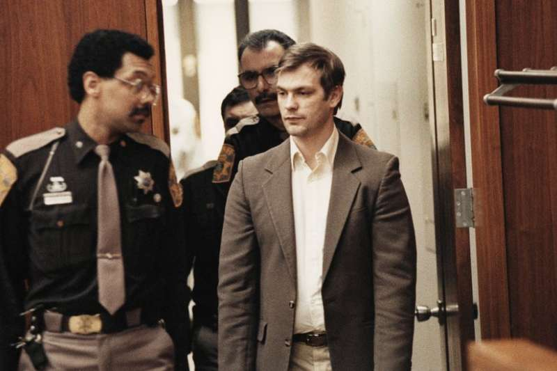 Jeffrey Lionel Dahmer 在1978-1991年間殺害了17名男性及男童。(圖/BBC中文網)