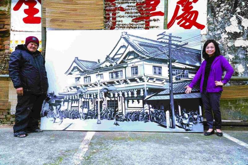 顏振發師傅手繪「宮古座」(今延平商業大樓),是日治時期的臺南四大戲院之一。(圖/遠流提供)