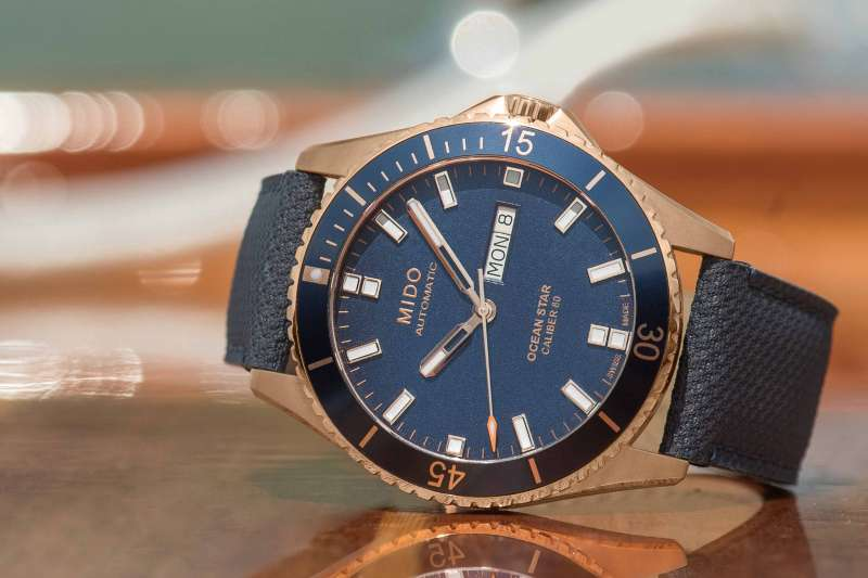 湛藍錶面,征服世界Ocean Star海洋之星領航80小時腕錶。(圖/Mido提供)