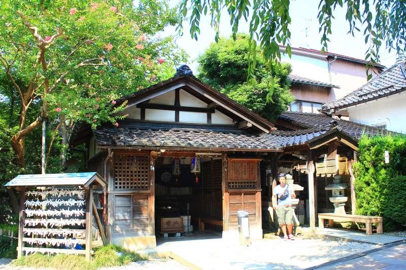 日本金澤的妙立寺機關重重、暗室夾層遍佈,滿佈機巧的設計讓它得到了「忍者寺」的稱號。(圖/時報出版提供)
