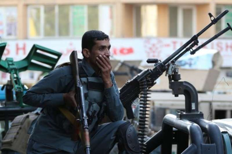 阿富汗局勢仍然不穩定,包括首都喀布爾在內的城市經常發生暴力襲擊事件。(BBC中文網)