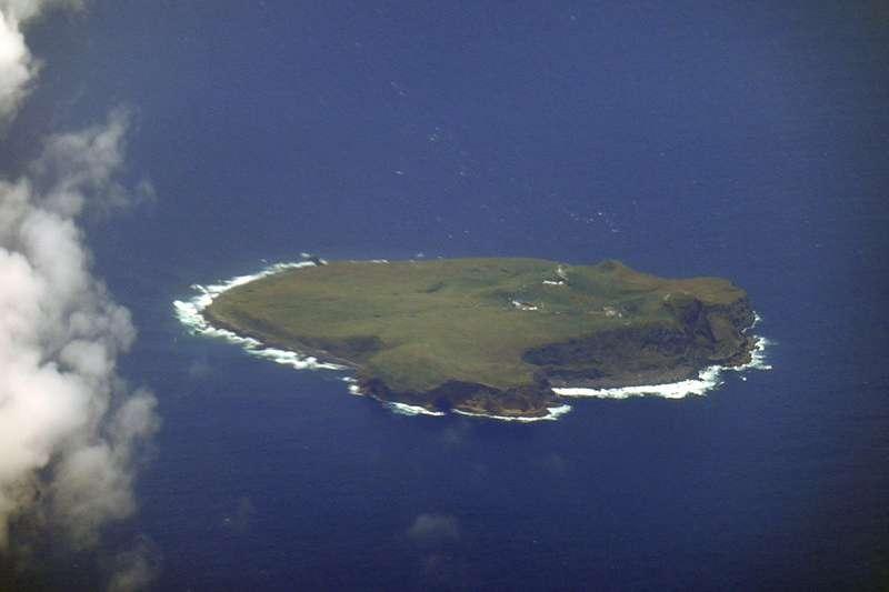 中央氣象局技佐拍攝的彭佳嶼,入圍WMO年曆徵選的第二階段,但所在地卻被標註為「中國台灣」。(圖/維基百科)